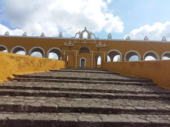 Izamal, México: 20161113_104247_large.jpg