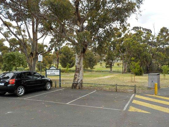 Woodlands Park: Park Entrance and car park