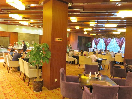Mianyang, จีน: Buffet restaurant and breakfast room
