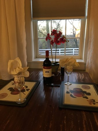 Barboursville, VA: Wine awaits upon arrival