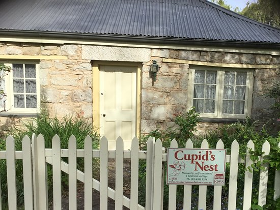 Colonial Cottages of Ross : Pic of the entrance