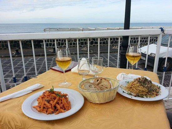 pranzo su terrazza con vista - Picture of L\'Agave, Procida Island ...