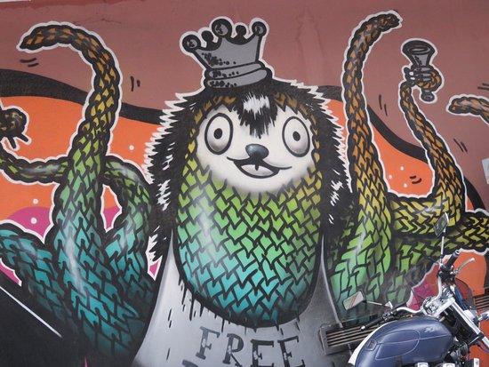 ladadika district rather unique graffiti in ladadiai district