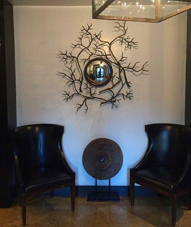 Sorellina: entrance lobby