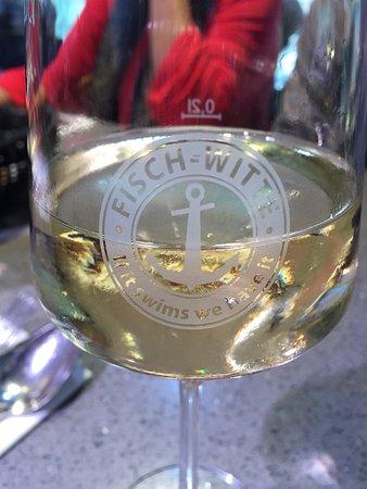 Witte: ドイツと言えば白ワインですが、シーフードと合うのでぐんぐん進みます