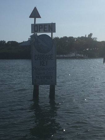 Cabbage Key Inn: Arriving by boat!
