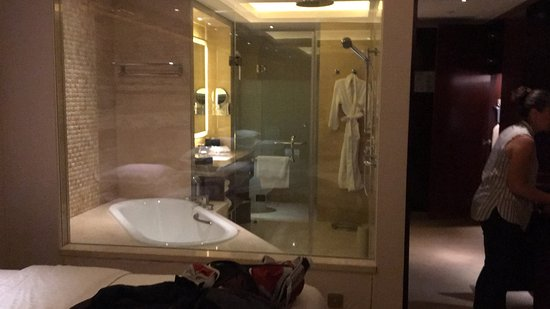 Sheraton Shanghai Hongkou Hotel: Nice hotel with friendly staff. I'd love to give this 5 stars as it is a top class hotel with ni