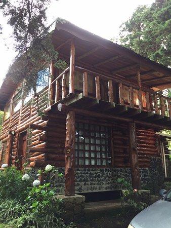 Cabanas Las Ardillas: Fachada de la cabaña