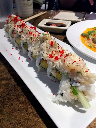 Surrey, Canada: OMG roll $6.95 - Spicy tuna, tamago, cucumber topped with seared crabmeat & scallop