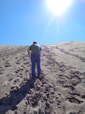 Bruneau, ID: climbing up the big dune