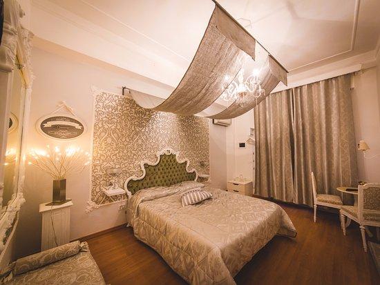 Letti Stile Shabby Chic : Bellissima stanza in stile shabby chic bellissime le tende di lino