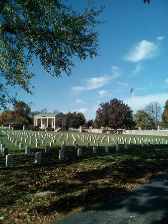 ‪Springfield National Cemetery‬