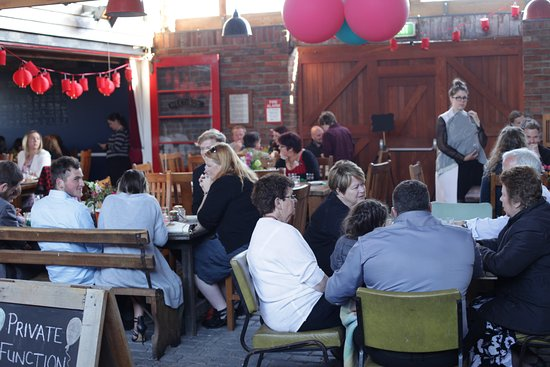 Lincoln, New Zealand: Covered Courtyard provides a great space for parties