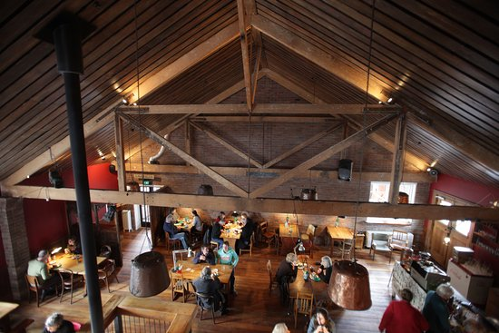 Lincoln, New Zealand: Recycled trusses and sarking add to the ambience