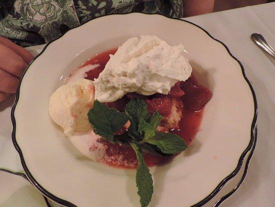 Auburn, ME: Strawberry Shortcake was excellent.