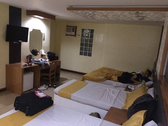 Eurotel Baguio Family Room
