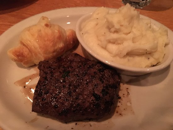 Calabash, North Carolina: The Boundary House Restaurant
