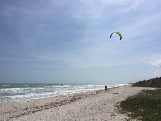 Extreme Control: Cours de kite sur la plage...