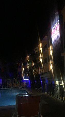 Royal Beach Palace: photo1.jpg