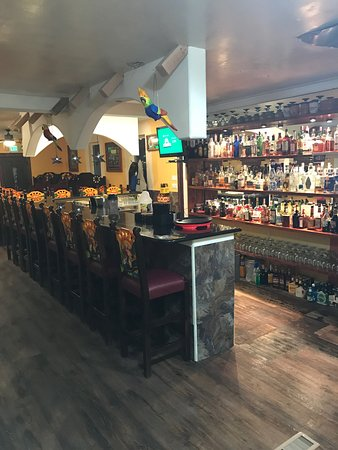 Gunnison, Колорадо: New big bar and back addition ,lots of space for your whole family!.