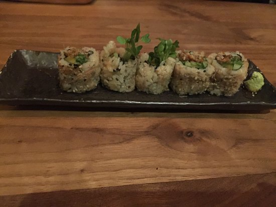 Fairfax, Kalifornien: Salmon Skin Roll