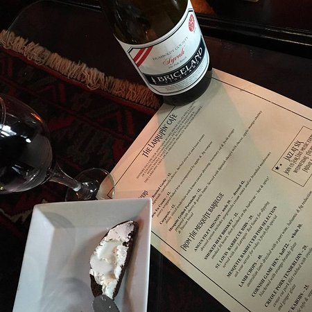 Redway, Kalifornien: Guests get corkage paid by us if they send a pic of the wine the had in a restaurant/