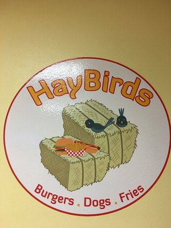Apple Valley, Kaliforniya: Hay Birds