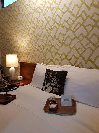 Heywood Hotel: Queen Bee-autiful