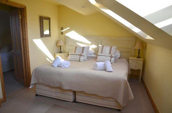 Broccoli Bottom: very light bright main bedroom