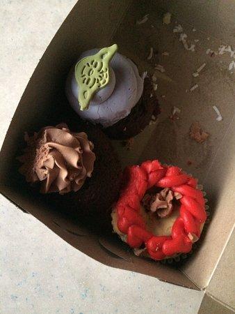 Coronado Cupcakery: photo1.jpg