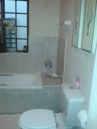 Brooks Cottage : bathroom