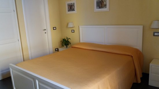 Camera da letto - Picture of La Gerbera, Levanto - TripAdvisor