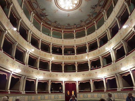 Teatro Sociale in Amelia
