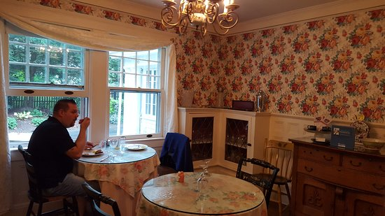 Warwick Valley Bed and Breakfast: 20160918_095334_large.jpg