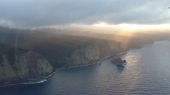 Big Island Air: towards Waipio Valley