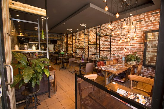 It s time for thai newtown newtown restaurant reviews for Table 9 newtown