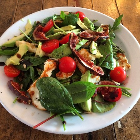 Hope, UK: Seasonal salad with halloumi, fig and avocado