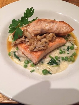 Letterbox Restaurant: Salmon and crab...delightful