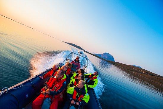 Steinkjer, Noruega: Båtturer og øyhopping hører med til en tur langs Kystriksveien. Foto: Olav Breen