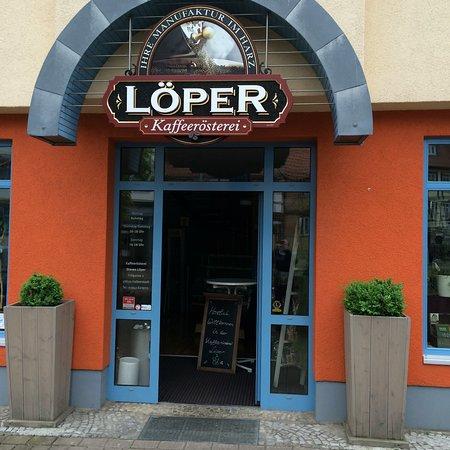 Halberstadt, Germany: Eingang zum Café Löper