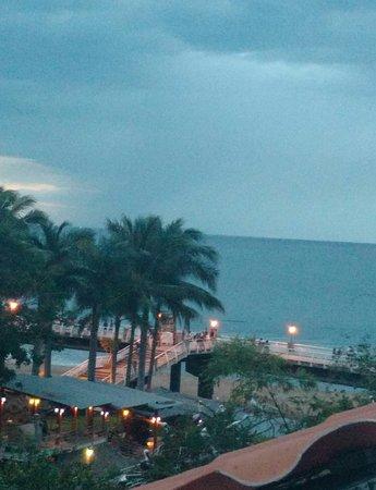 Encino Hotel: IMG_20161114_053729_large.jpg