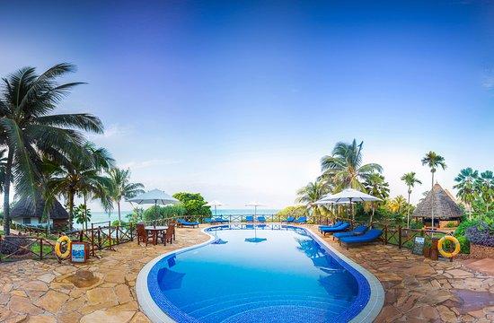 Ras Nungwi Beach Hotel: Swimming pool
