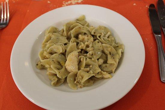 Hotel Florenz: riccioli di pasta all'erba cipollina e aragostelle con porri