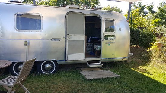 Manses, ฝรั่งเศส: Belrepayre Airstream & Retro Trailer Park