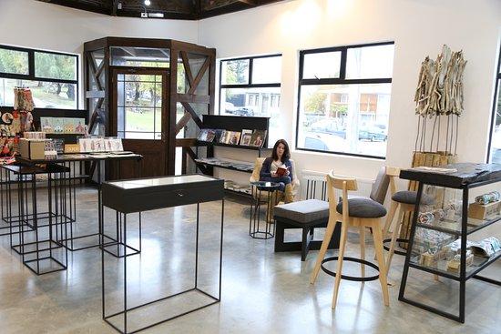 La Galeria: Tienda de Arte y Diseno