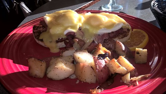 Woodstock, NH: Eggs Benedict