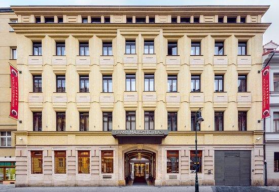 Hotel grand majestic plaza prague r m 6 0 4 rm 552 for Grand hotel bohemia prague reviews