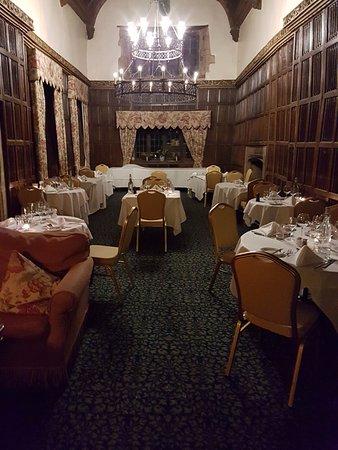 The Manor: Restaurant