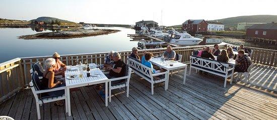 Meloy Municipality, Norwegia: Restaurant uteområde og gjestehavn