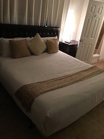 Hotel18: photo0.jpg